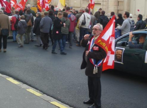 élu du Parti communiste à la manifestation de Dijon contre la réforme des retraites