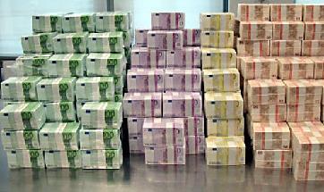 13,7 millions d'euros ont été saisis sur des comptes bancaires au Luxembourg et en Suisse ouverts par plusieurs sociétés contrôlées par Alexandre Guérini