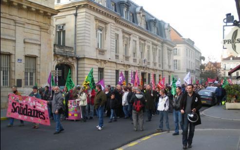 """Syndicat """"Solidaires"""" pour l'union syndicale à la manifestation de Dijon contre la réforme des retraites"""